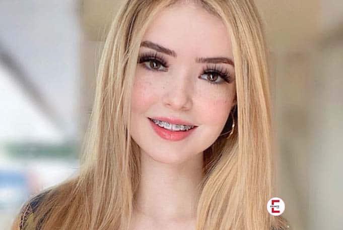 Muy sexy: rubia latina y modelo de Instagram